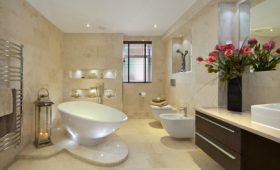 Jak zaplanować wygodną łazienkę w domu jednorodzinnym?