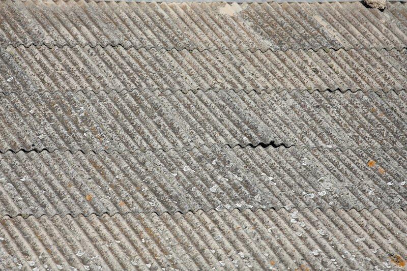 Azbest – nadal obecny i niebezpieczny