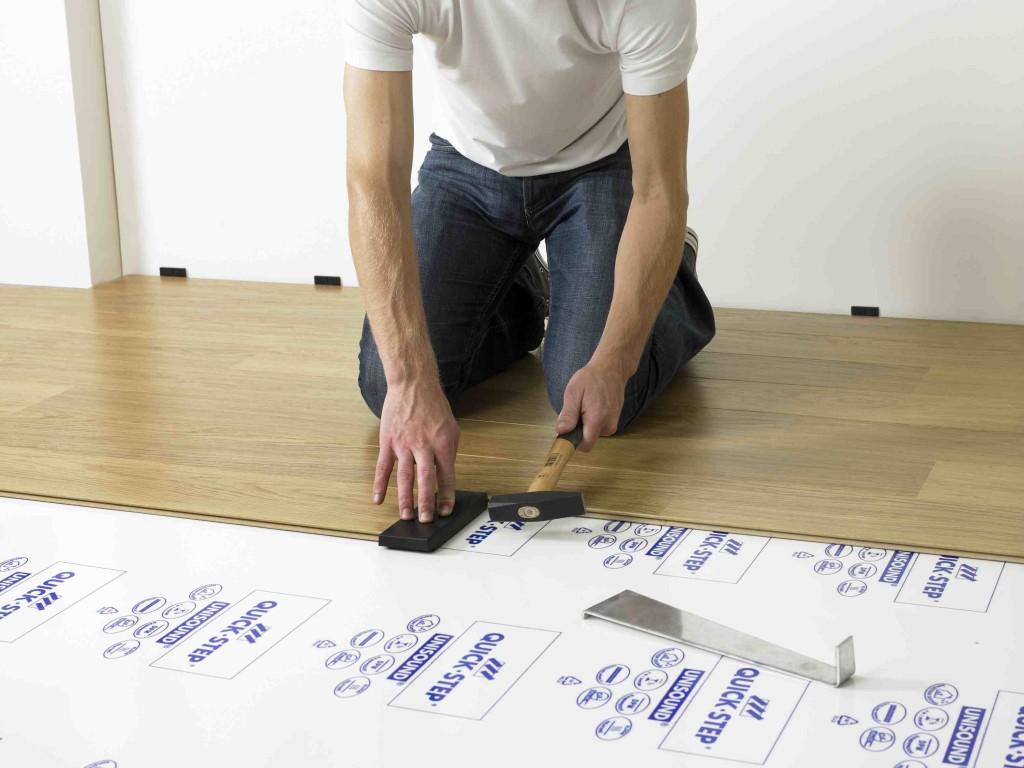 Montaż desek podłogowych