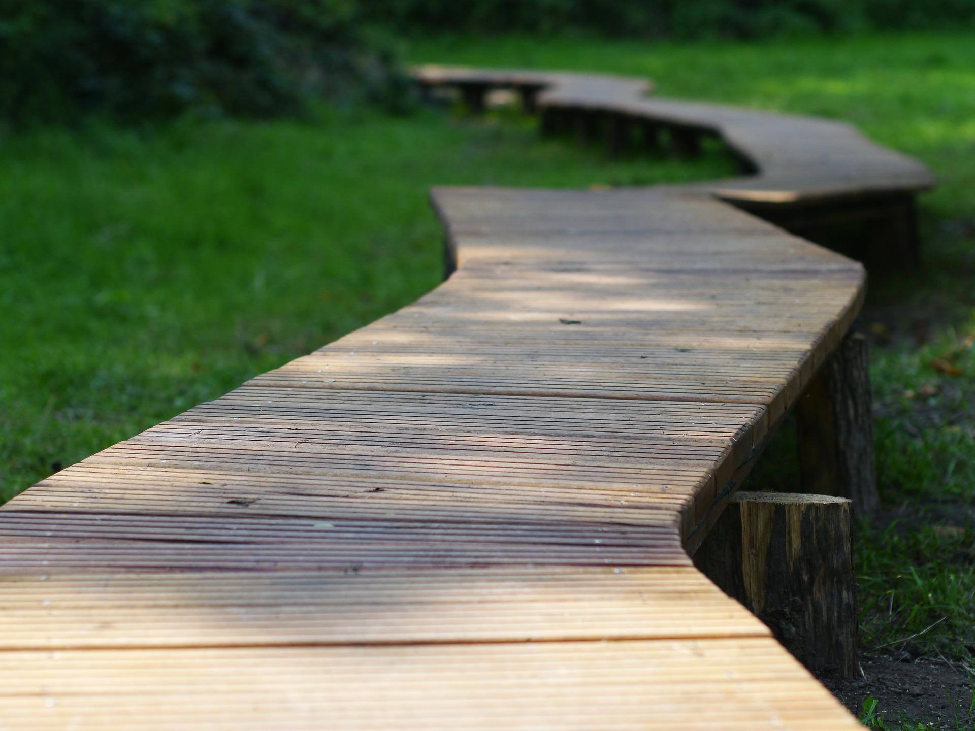 Drewniana ścieżka