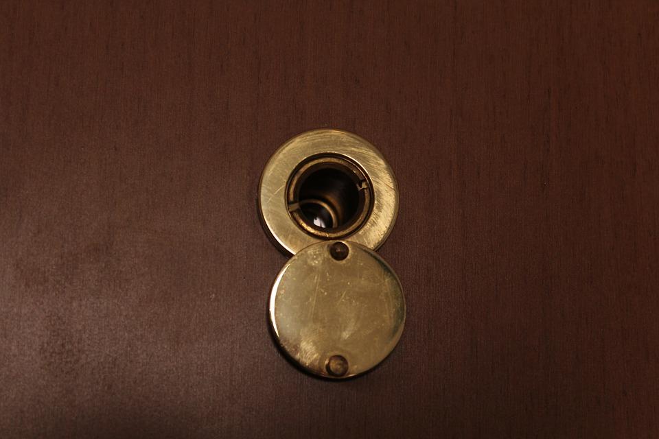 Jak skutecznie zabezpieczyć dom przed włamaniem?