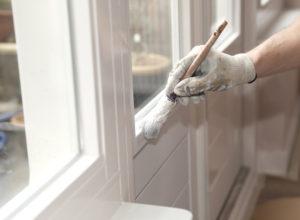 Odnawianie drzwi - malowanie